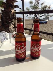 Beers and beach (Josephine T.) Tags: poetry peace mindfullness twin españa spain sun friend beach cruzcampo relax funny friendf beers