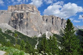 Au pays du grandiose sur la route du passo di Sella, Canazei, Val di Fassa, province de Trente, Trentin-Haut Adige, Italie.