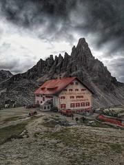 IMG_20170812_134104-01 (sicca85) Tags: huawey dolomiti dolomiten rifugiolocatelli trecimelavaredo trecime dreizinnen nuvola veneto italia italy montagna montagne