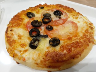 Tomato & Olive Cheesebread
