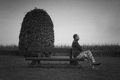 Autoportrait (JoãoGuerreiro666) Tags: autoportrait autorretrato joão guerreiro bw blanc white branco black noir preto jardim jardin garden retrato portrait monochromatique monochrome monocromático grevels luxembourg luxemburgo banco seating tabouret 1025fav joãoguerreiro666