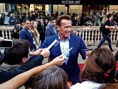 ... Starring Arnold Schwarzenegger  ... (Lanpernas 3.0) Tags: arnold estrella redcarpet zinemaldia 2017 donostia victoriaeugenia festivaldecine schwarzenegger wonders sea conan people festival