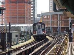 201709118 New York City subway station 'Court Square' (taigatrommelchen) Tags: 20170937 usa ny newyork newyorkcity nyc queens icon urban city constructionsite railway railroad station mass transit elevated subway train mta r188