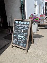 Husband crêche (pefkosmad) Tags: wantage oxfordshire oxon england uk sign aboard funny humour pub publichouse woodensign blackboard street