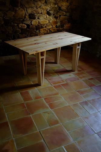 Mari table on terracotta floor