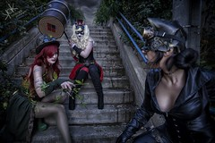 Steampunk Gotham Sirens: A fight breaks out! (SpirosK photography) Tags: steampunk steampunkgothamsirens gothamsirens poisonivy maruchan studio photoshoot victorian portrait strobist nikon d750 athens greece spiroskphotography cosplay costumeplay harleyquinn aileen aileenautumn hammer yourfacehere ailiroy catwoman gotham stairs steps evening