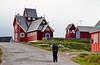 Sunnudagsmorgun í Qeqertasuaq, Vestur-Grænlandi (eirikurtor) Tags: grænland greenland kirkja qeqertarsuaq rautt red discoisland
