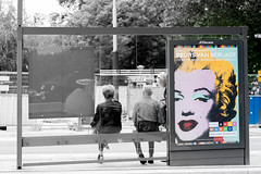 Andy Warhol Amsterdam (vanderwoud1) Tags: andy amsterdam berlage beurs tickets busstop color colour waiting people warhol