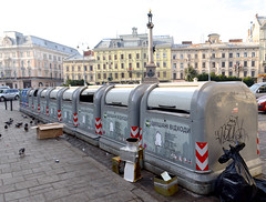 Dumpsters (Francisco Anzola) Tags: lviv lwow ukraine city westernukraine galicia trash garbage litter monument