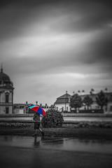 Rainy Day (Jabamba Photography) Tags: colorful blackwhite bianconero biancoenero contrast controluce contrasto clouds cloudy rain rainy child umbrella ombrello ombre shadows vienna austria belvedere nikon nikond750 nikontop nikonphotography nikonflickraward nikkor 2470mm allaperto schloss