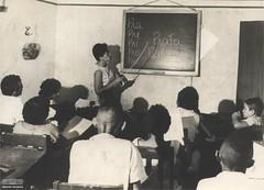 Turma de alfabetização (Arquivo Nacional do Brasil) Tags: educação históriadaeducação education professor professora profesores escola school leitura arquivonacional história memória