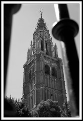 Torre (Miguel Angel Prieto Ciudad) Tags: hapel church architecture black white españa monochrome sony spain cathedral medieval abbey blanco y negro arquitectura iglesia catedral heritage chuch toledo belfry kirk chatedral campanario churchyard contrapicado national ghotic sonyalpha eglise castillalamancha ngc sonyalphadslr