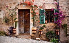 Once upon a time... (Alex Switzerland) Tags: house home outdoor summer outside habitacion spain spanien alley canon eos 6d landscape landschaft europe window door flower colors rural old fashion