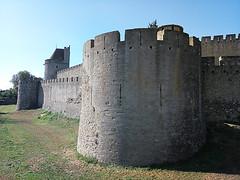 Murs de Carcassonne (bruno carreras) Tags: francia france ciudadela citadelle medieval castillo castle chateau pueblo town village carcasona carcassonne aude occitania