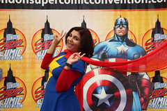 London Super Comic Con 2017 XXII (Lee Nichols) Tags: londonsupercomiccon2017 photoshop cosplayers canoneos600d cosplay costume costumes comiccon lscc msmarvel kamalakhan