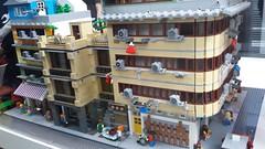 20170909_122921 (bbchai) Tags: cafe hong kong old building martial art