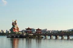 Lotus pond - Kaohsiung (Chapo78) Tags: taiwan kaohsiung lotus pond bridge lake temple sunset water