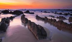 Mar y rocas VII (Jabi Rollán) Tags: canon cielo sea sky sunset sombra stone surf javierrollán sol mar color