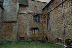 Canons Ashby - 13 (basswulf) Tags: building architecture courtyard d40 1855mmf3556g lenstagged unmodified 32 image:ratio=32 permissions:licence=c 20170925 201709 3008x2000 canonsashby nationaltrust northamptonshire england uk