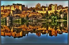 Un espejo...con su historia. (Jose Roldan Garcia) Tags: toledo río aire agua atardecer reflejos historia colores cielo imperial simetría belleza cálida