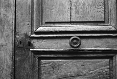Door (•Nicolas•) Tags: 125iso bw camera film fp4 ilford ilfosol m4p nb pellicule vintage auxerre burgundy bourgogne france door porte wood bois texture old ancien nicolasthomas relief usé used serrure keylock lock locked fermé closed
