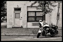 Harley-Davidson police motorcycle: Electra Glide (Matthias Harbers) Tags: canon powershot g3x 1 inch superzoom dxo photoshop elements topaz labs city sky blue usa washington dc white light harleydavidson police motorcycle bike motorbike policeelectraglide