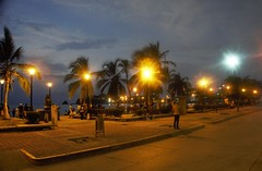 santa marta (van1o) Tags: santa marta seaside dusk colombia sky blue hour lamps people