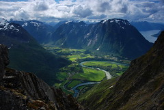 (DoctorMP) Tags: norwegia norway norge moreogromsdal góry lato summer mountains romsdal romsdalsalpene romsdalseggen hiking rauma raumadalen isterdalen isfjorden