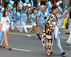 2017 International Parade of Nations (seanbirm) Tags: internationalparadeofnations lionsclub lcicon lions100 lionsclubinternational parades chicago illinois usa statestreet statest weserve leos leosclub clubleo selfiestick