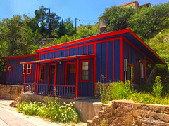 Bisbee, Arizona (oybay©) Tags: bisbee bisbeearizona arizona az hippies hippie hip cool color colors purple blue red home house abode artistic art colorful different breweryhill prostitution illrepute betterhomesandgardens goodhousekeeping architecturalreview architecture design unique unusual