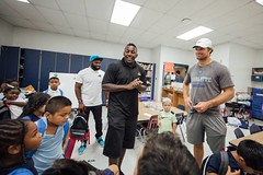 "thomas-davis-defending-dreams-2016-backpack-give-away-170 • <a style=""font-size:0.8em;"" href=""http://www.flickr.com/photos/158886553@N02/36348842144/"" target=""_blank"">View on Flickr</a>"