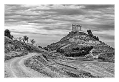 CASTILLO DE PEÑAFIEL s.IX ( España ) (RAMUBA) Tags: peñafiel españa castillo castle bw blanco y negro