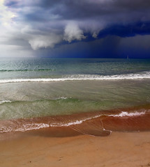 Yet another storm (Robyn Hooz) Tags: koh samui spiaggia beach thailand storm tempesta layer strati colors clouds nuvole shelf