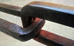 rust (guzmania*) Tags: macromondays macro hmm theme rust rusty oxid chain link oxidation
