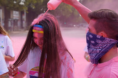 The Pink ninja attacks (Red Cathedral [FB theRealRedCathedral ]) Tags: sonyalpha a77markii a77 mkii eventcoverage cosplay alpha sony colorrun sonyslta77ii slt evf translucentmirrortechnology spartacusrun mudrun ocr strongmanrun obstaclerun redcathedral contemporaryart streetphotography belgium alittlebitofcommonsenseisagoodthing colourrun holi pink roze run running sports fun brussels bxl bruxelles tourtaxis havenlaan