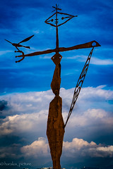dans les filets du vent (harakis picture) Tags: cagnes francepaca frenchriviera sky ciel sculpture art blue bleu sony a7 ngc contactgroups