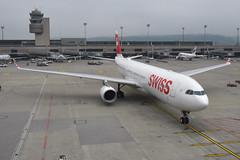 Swiss Airbus A330-300; HB-JHG@ZRH;25.09.2017 (Aero Icarus) Tags: zürichkloten zürichflughafen zurichairport zrh lszh plane avion aircraft flugzeug swissinternationalairlines airbusa330300 hbjhg