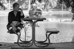 Rest in the shade (Nicolas Winspeare) Tags: 90mm bangkok lumpini thailand bw park street streetphotography xt2