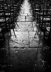 Rédemption (Zazarel) Tags: church light pentax k3 18250mm sigma chaise blackwhite