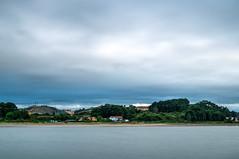 S. Balandrán, Avilés (ccc.39) Tags: asturias avilés zeluan sanbalandrán costa playa agua mar cantábrico cielo nubes árboles casas aldea