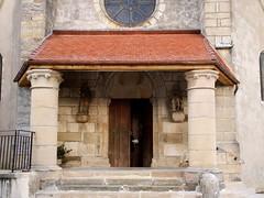 Messigny-et-Vantoux / Église Saint-Vallier (Charles.Louis) Tags: bourgogne côtedor patrimoine édifice bâtiment monument histoire religion pierre colonne porche portail