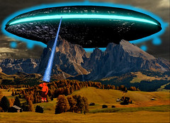 Mutant Monte Humming Sound in the Mountains 8 19 2017 (Monte Mendoza) Tags: montemendoza mutant mutation dna axila orange mountain trees giant ufo invasion flyingsaucer alien saucer