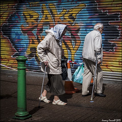 East Street Blues (zolaczakl) Tags: bristol bedminster eaststreet people candid streetscenes streetphotography august 2017 streetart graffiti uk photographybyjeremyfennell england southwest fujix100s