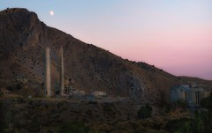 a missed opportunity... (Alvin Harp) Tags: abandoned industrial limeplant smokestacks moon sunset oregon lime i84 sonyilce7rm2 fe2470mmf28gm september 2017 alvinharp