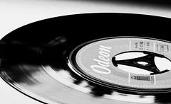 hit single (ELECTROLITE photography) Tags: hitsingle single vinyl 45rpm odeon puk blackandwhite blackwhite bw black white sw schwarzweiss schwarz weiss monochrome einfarbig noiretblanc noirblanc noir blanc electrolitephotography electrolite