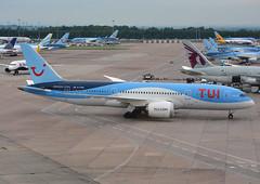 G-TUIC - TUI Airlines UK Boeing 787 Dreamliner (✈ Adam_Ryan ✈) Tags: man egcc manchesterairport manchesterairportlevel13 level13multistoreycarpark thomsonairways tui gtuic boeing boeing787dreamliner dreamliner 2017 terminal2