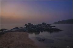 Niebla en el mar (antoniocamero21) Tags: amanecer niebla cielo agua rocas mar platja marina paisaje color foto sony brava costa calella girona atmósfera catalunya