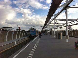 RET metro station Vijfsluizen