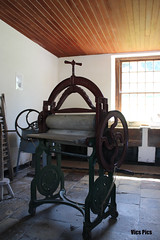 The mangle (victorgrattan) Tags: history laundry