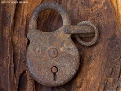 An old padlock (Nelson-V.) Tags: